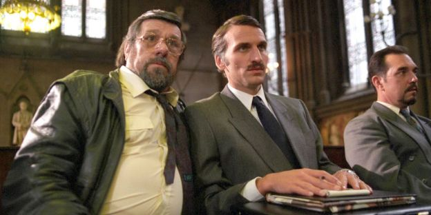 landscape-1461837075-christopher-eccleston-hillsborough-ricky-tomlinson