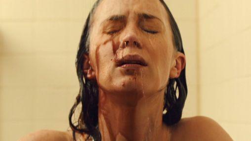 sicario-emily-blunt-blood-shower
